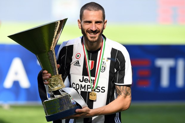 Leonardo Bonucci on verge of shock AC Milan transfer