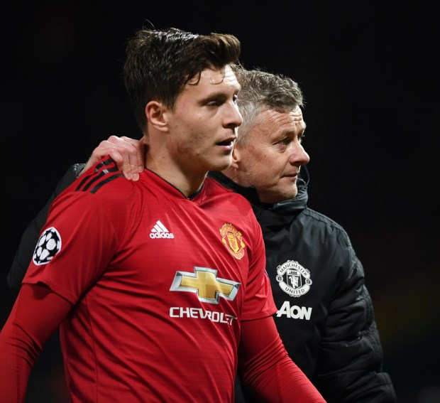 Barcelona want Manchester United defender Lindelof, claims player's agent