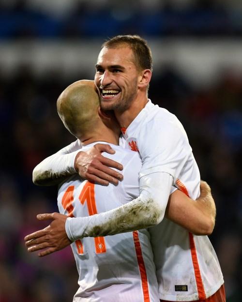 Bas dost to england former bundesliga striker ramps up for Villa eintracht