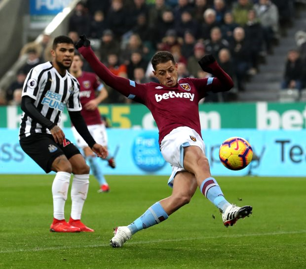 Hernandez brace helps impressive West Ham down Newcastle